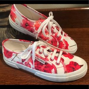 💕 Fabulous Floral Superga Sneakers  💕